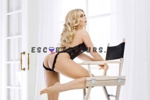 ESCORTS GREECE ATHENS IZABELLA 8