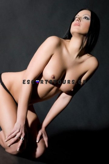 ESCORT EVELINA
